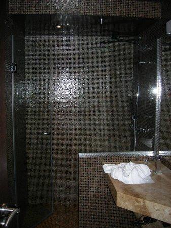 Hotel Beausejour Montmartre : Salle de bains