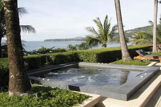 Andara Resort and Villas : Jacuzzi by the pool
