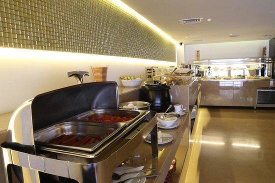 Lancaster Hotel Raouche: Le Monde Buffet Breakfast