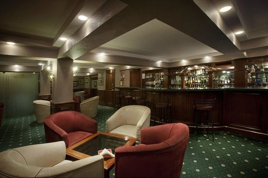Lancaster Hotel Raouche: Alfred's Bar