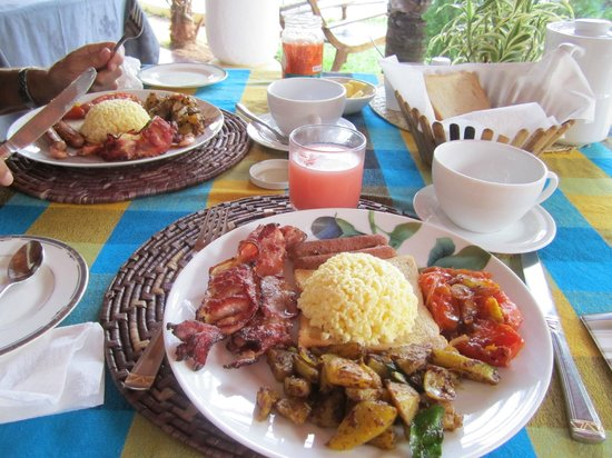 Serendib Guest House: Breakfast