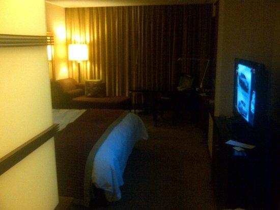 Renaissance Wuhan Hotel: room