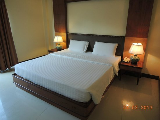 Phi Phi Hotel: Spacious Room