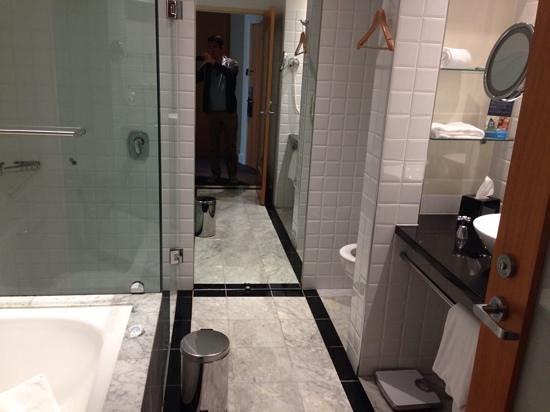 Radisson Blu Plaza Hotel Sydney : bathroom