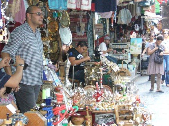 Medina of Sousse : lokalny sprzedawca