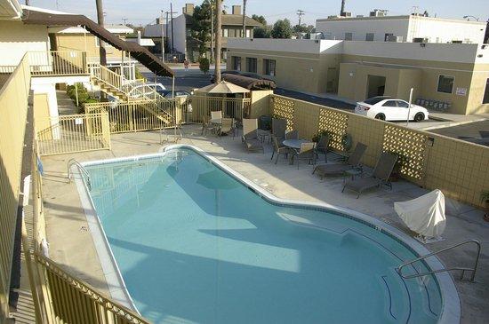 Super 8 Los Angeles-Culver City Area : Piscina