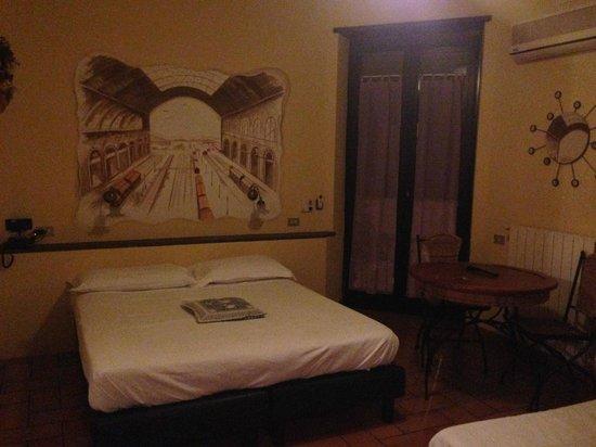 Hotel Villa Medici : letto matrimoniale