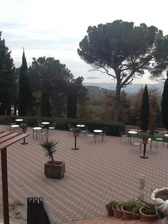 Hotel La Cima Trasimena Photo
