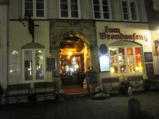 Zum Brandanfang: Inngangspartiet i Hamburg's eldste hus