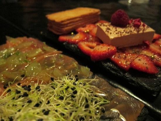 L'Home dels Nassos: Carpaccio de salmó & mousse de foie amb maduixes caramelitzades