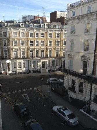 Park Grand London Kensington: view from bedroom towards Cromwell Road