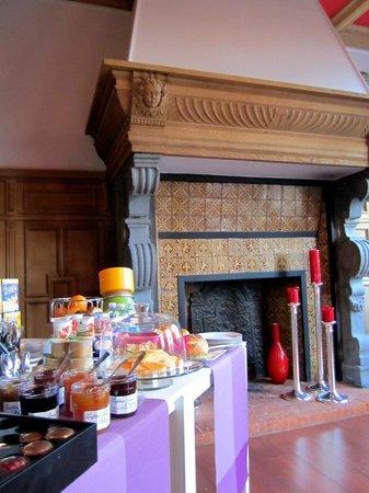 L'Esplanade Lille : Breakfast room