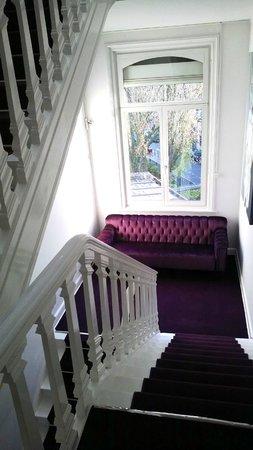 L'Esplanade Lille : Stairway