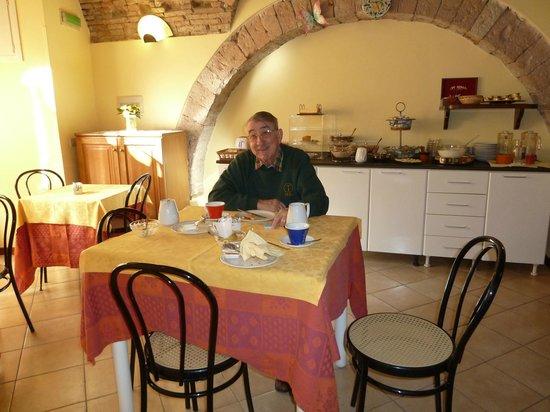 Hotel San Rufino : Breakfast Room