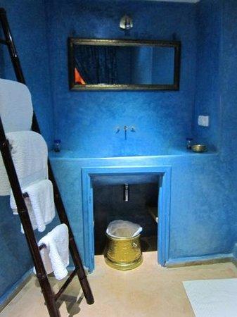Dar Faracha Fès: Baño de la habitación azul