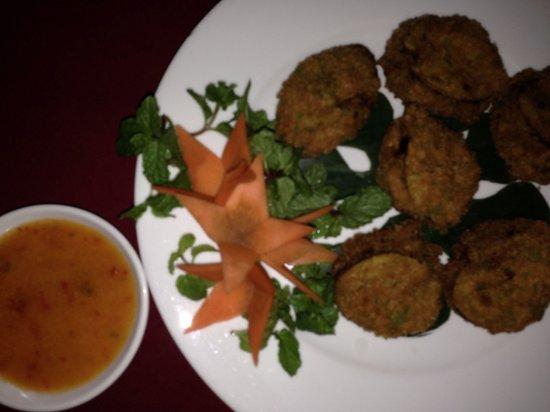Fullmoon Town Restaurant & Bar : Stuffed eggplant