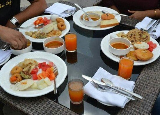 Fortune Resort Grace: Excellent breakfast buffet...... Well this was just a fraction of the entire food served. Indeed