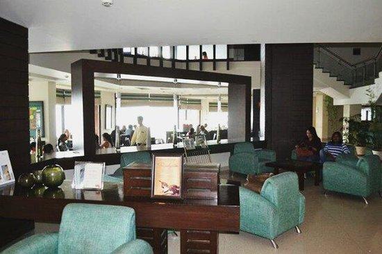 Fortune Resort Grace: The reception....