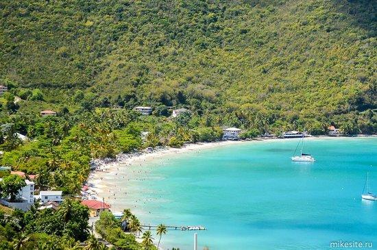 Cane Garden Bay: Вид с дороги