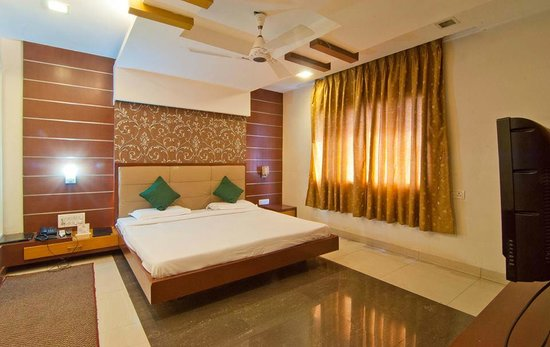 Hotel Surya : Rooms