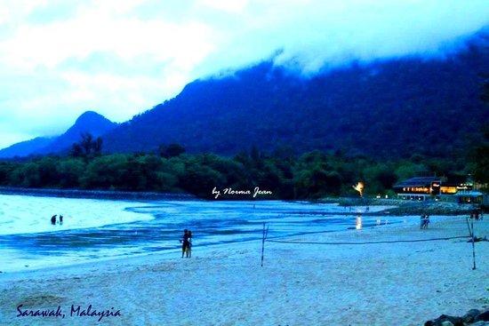Damai Beach Resort : Mount of Santubong view