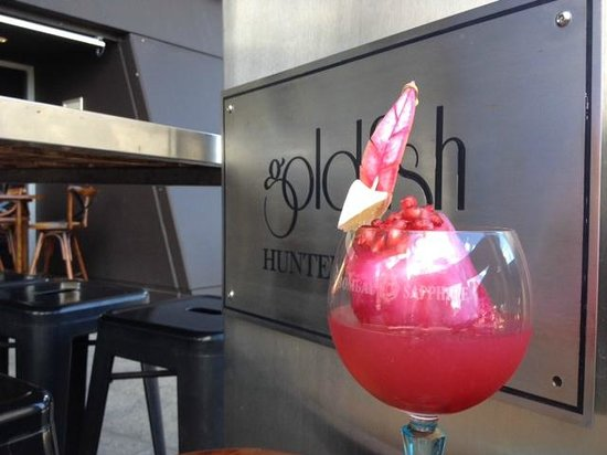 Goldfish Bar & Kitchen: COCKTAIL ANYONE