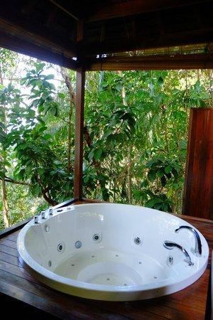 Bunga Raya Island Resort & Spa: Treetop villa jacuzzi