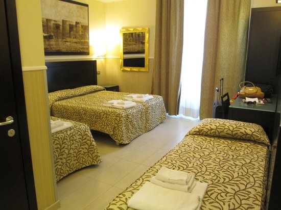 Yes Hotel : Room Layout