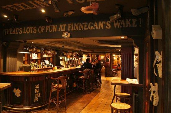 Finnegans: L'entrée