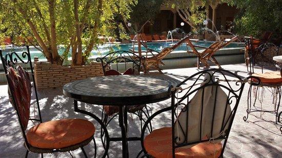 Auberge Dunes D'or: Cour intérieure et piscine