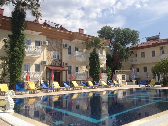 Yalcin Hotel: Pool view