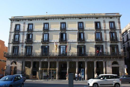 Hotel del Mar: View from the street