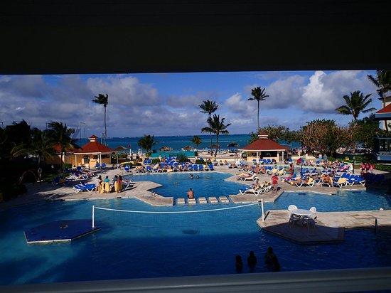 Breezes Resort & Spa Bahamas: Pool view