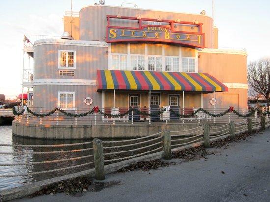 Fulton Steamboat Inn : Exterior near fire pit, gazebo and Koi feeding pond