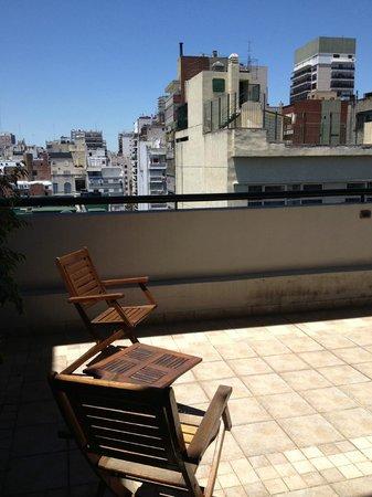 Ayres de Recoleta Hotel : Terrasse im 10. Stock