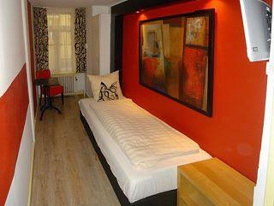 Anco Hotel: Das einzel Zimmer auch gemuetlich