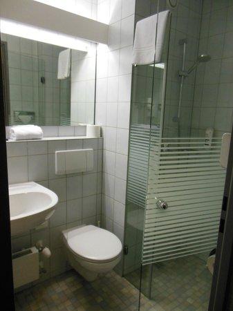 Mercure Hotel Stuttgart Gerlingen: Salle de bains
