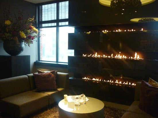 Van der Valk Hotel Dordrecht: zitje in de hal