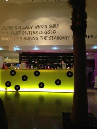 Comfort Hotel Union Brygge : Resepsjon og bar