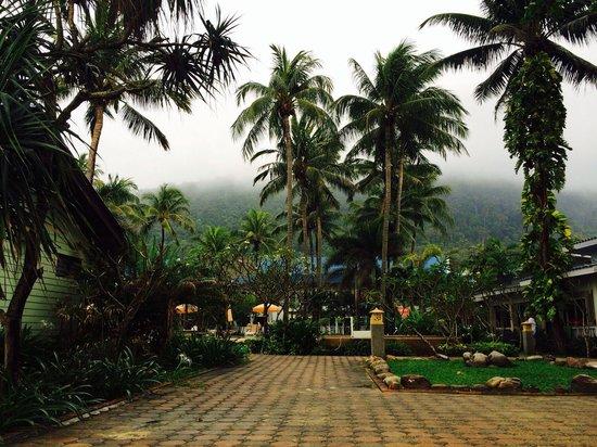 Andaman Lanta Resort: Before the rain