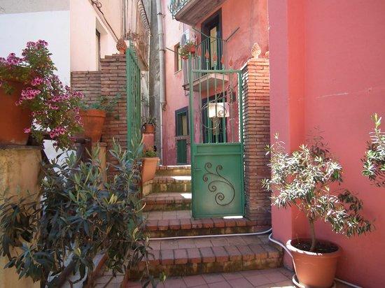 Albergo Diffuso Santa Caterina: Portoncino d'accesso al B&B