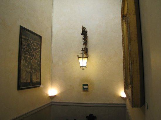 Scalone picture of palazzo morando milan tripadvisor for Palazzo morando