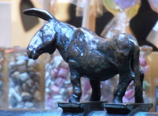 Museen Böttcherstraße: Esel am Siebenfaulenbrunnen ( Bremer Stadtmusikanten)