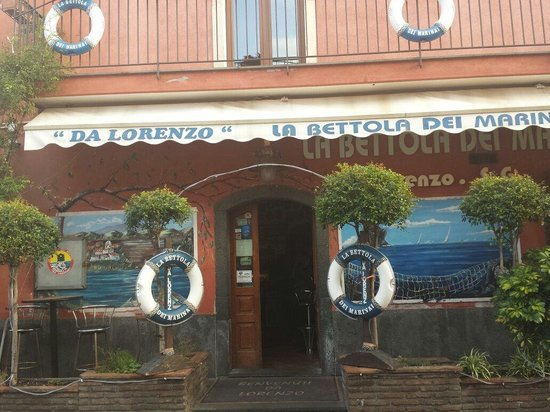 Santa Tecla, Italia: La bettola dei marinai  '' Da Lorenzo ''