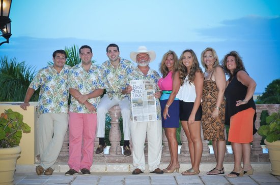 Royal Hideaway Playacar: Our family group photo