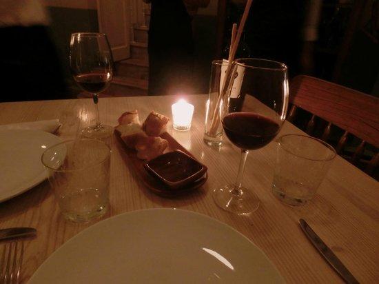 Rosetta : ワインのお値段は350ペソくらいから。
