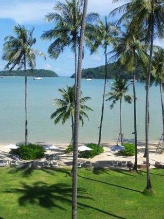 Crowne Plaza Phuket Panwa Beach : View from balcony and room
