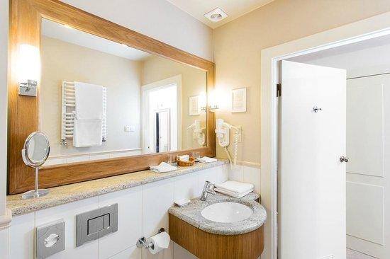 Art Hotel Bathroom1