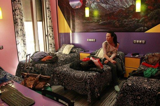 JC Rooms Santa Ana : ROOM