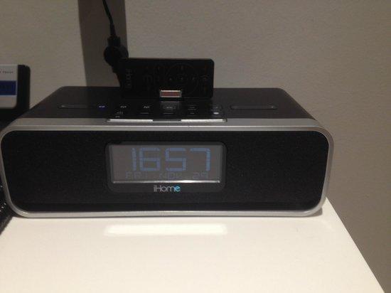 De Vere Orchard Hotel: ipod/iphone audio player